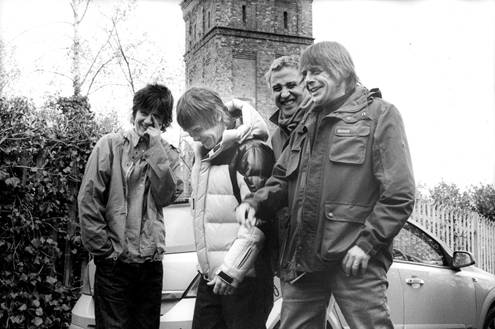 "Regresan los Stone Roses con ""All For One"""