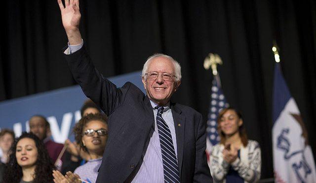 Thurston Moore y Bernie Sanders hacen una colaboración y la pueden descargar gratis