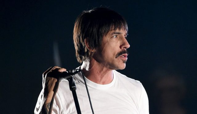 "Anthony Kiedis de los Red Hot Chili Peppers fue un héroe durante su ""Carpool Karaoke"""