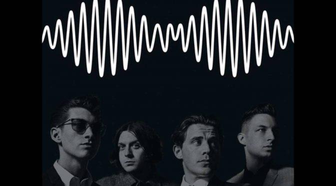 Arctic Monkeys dona escultura de elefante de su álbum AM para caridad