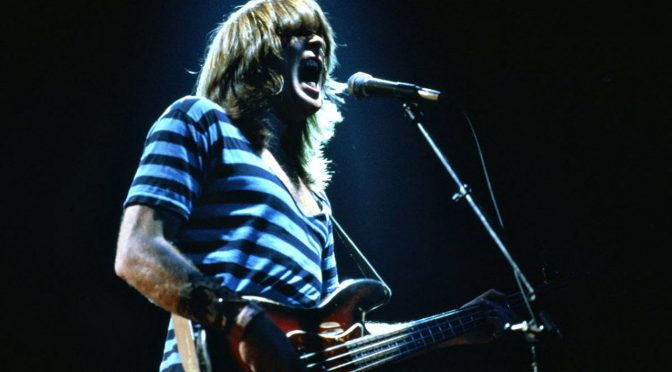 Bajista de AC/DC se retirará tras esta gira