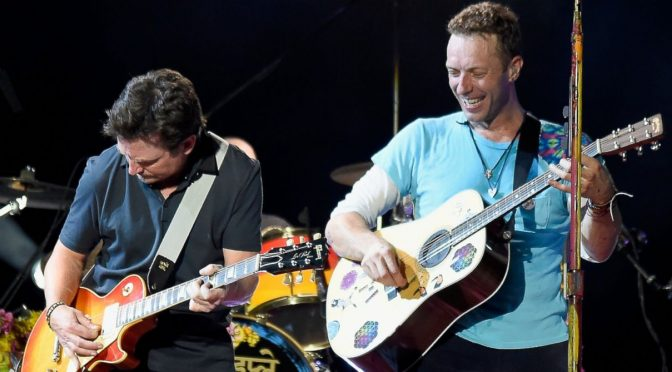 Coldplay y Michael J. Fox cantan temas de 'Back to the Future'