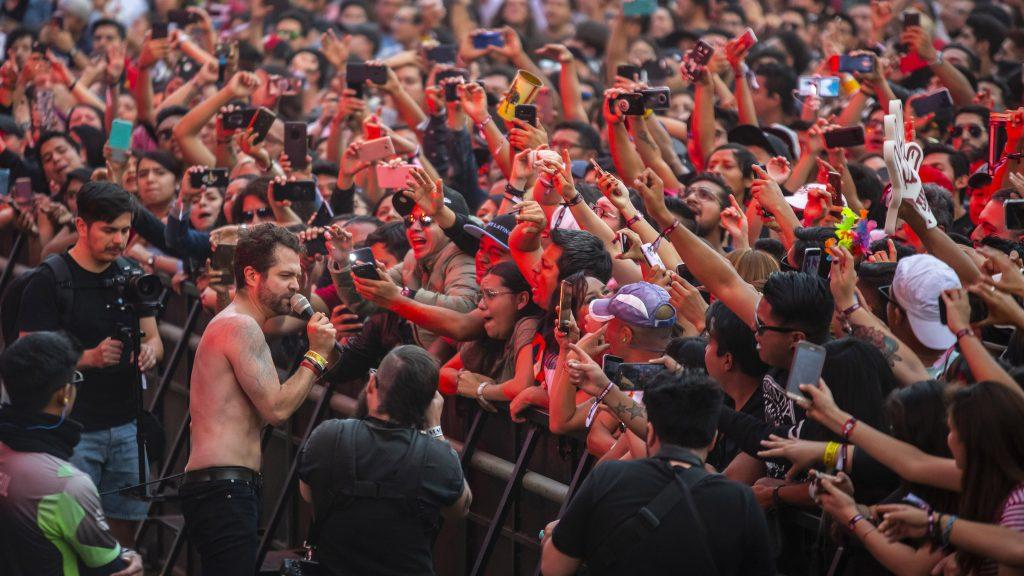 Diversidad musical y buena vibra en el Día 2 del Vive Latino
