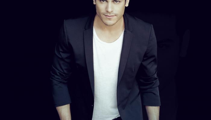 Carlos Rivera  interpretará el tema principal de la nueva miniserie de Televisa.