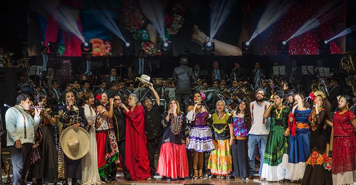 LILA DOWNS  Cierra el evento Oaxaca Corazón  con grandes figuras de la música.