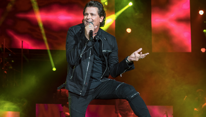 Carlos Vives pone a bailar a México