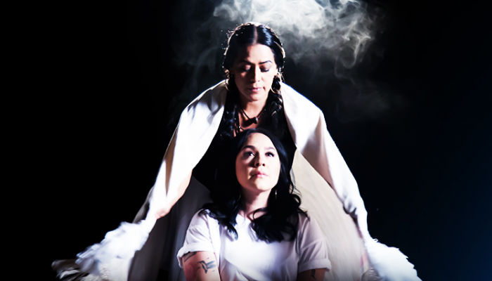 "Lila Downs estrena el video ""Ser Paloma"" ft. Carla Morrison."