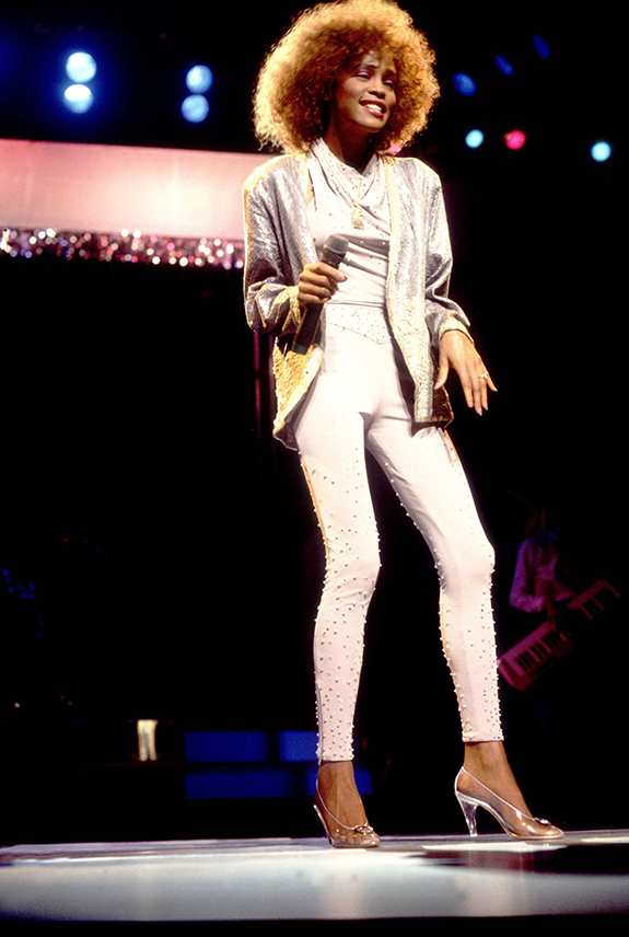 Whitney Houston performs in concert Chicago 1986
