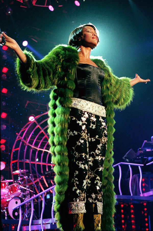 Whitney Houston concert 1999 wearing Dolce & Gabbana
