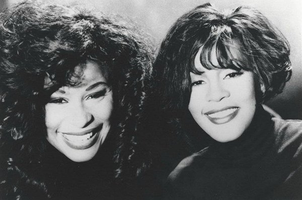 Whitney Houston abd Chaka Khan on set of I'm Every Woman music video 1992