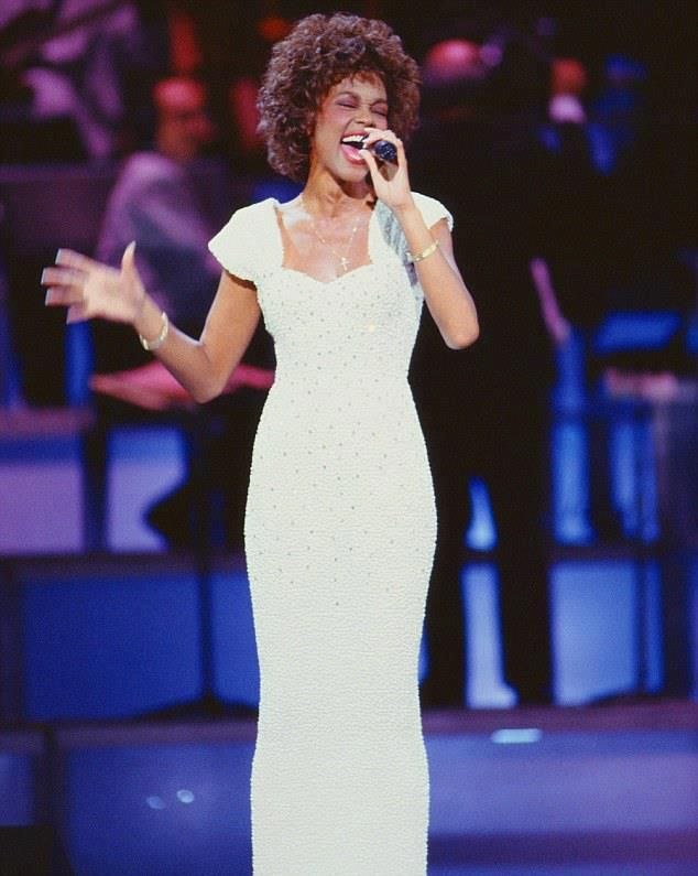 Whitney Houston sings One Moment In Time at 1989 GRAMMY Awards