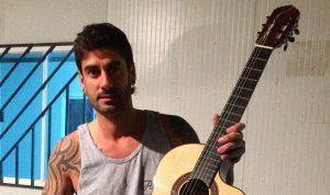 Melendi sortea una guitarra por el lanzamiento de su web